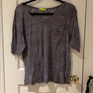 BDG Gray Top Size Small